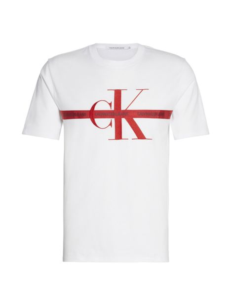 Camiseta-con-logo-bordado