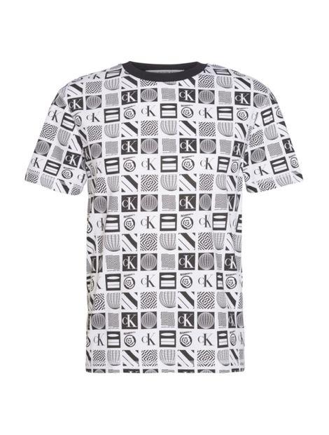 Camiseta-relaxed-con-estampado-en-toda-la-prenda