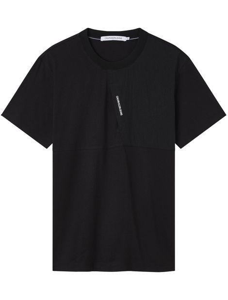 Camiseta-de-mezcla-de-materiales