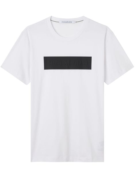 Camiseta-con-logo-grabado